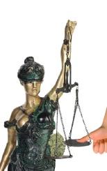 Justiția în Moldova